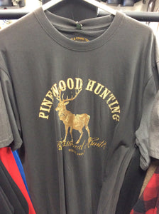 9457 pinewood deer T-shirt size large