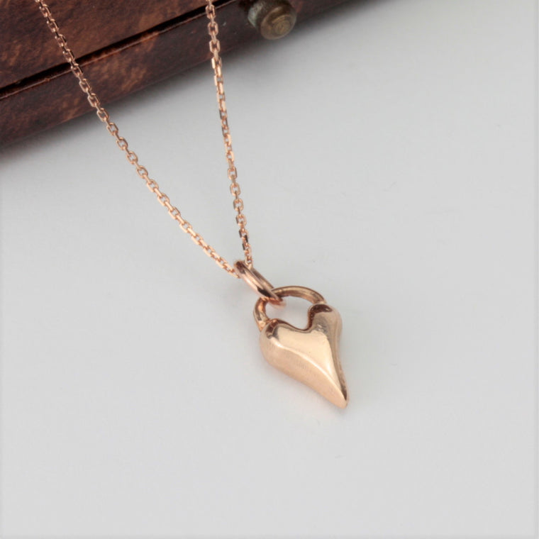9ct Solid rose gold wild at heart necklace