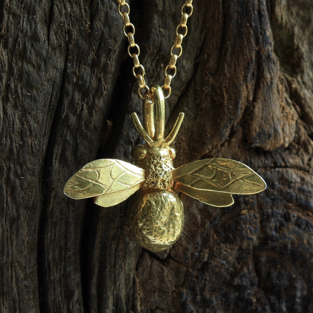 Gorgeous yellow gold bumble bee bespoke necklace