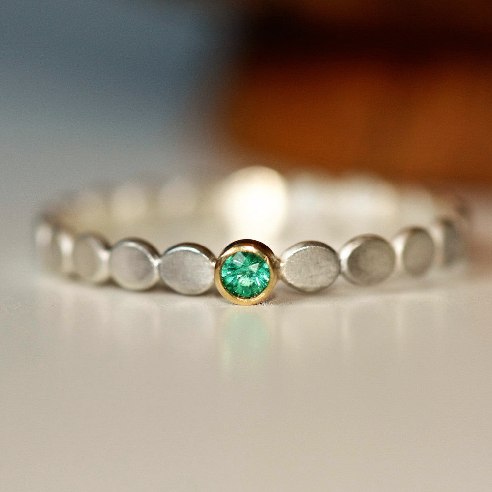 Emerald May birthstone silver and gold pebble ring