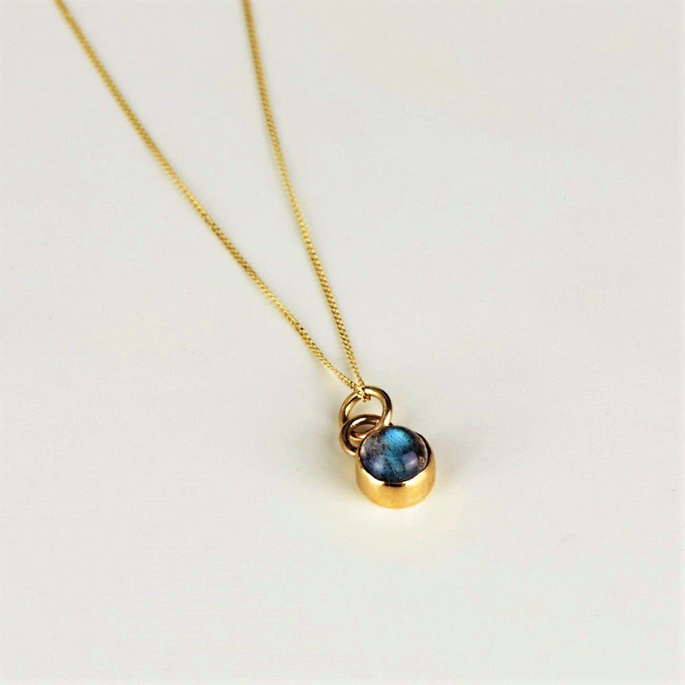 Dainty labradorite power stone solid 9ct gold necklace