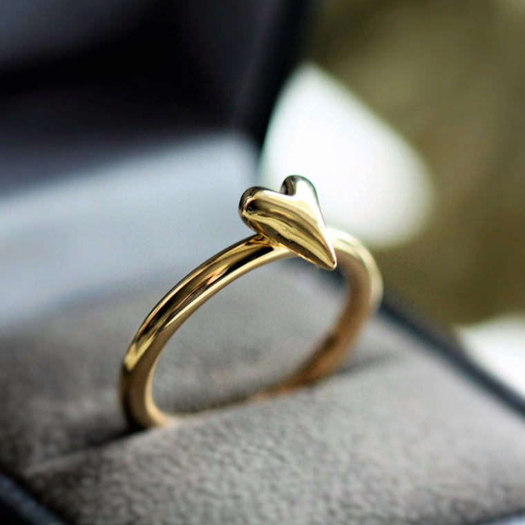 Handmade solid gold heart ring band
