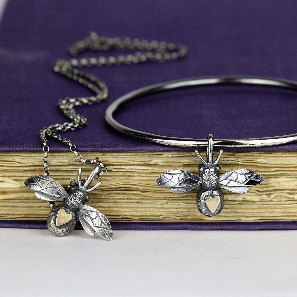 bee and solid gold heart jewellery