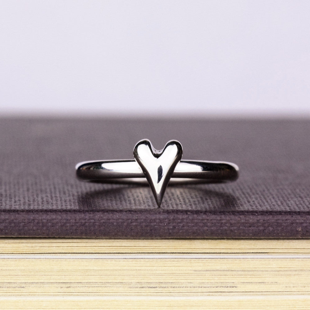 designer wild at heart silver heart ring band