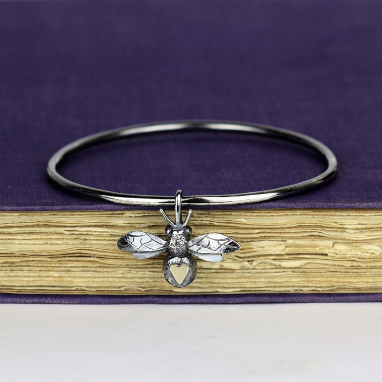 bee and 9ct gold heart bee bangle