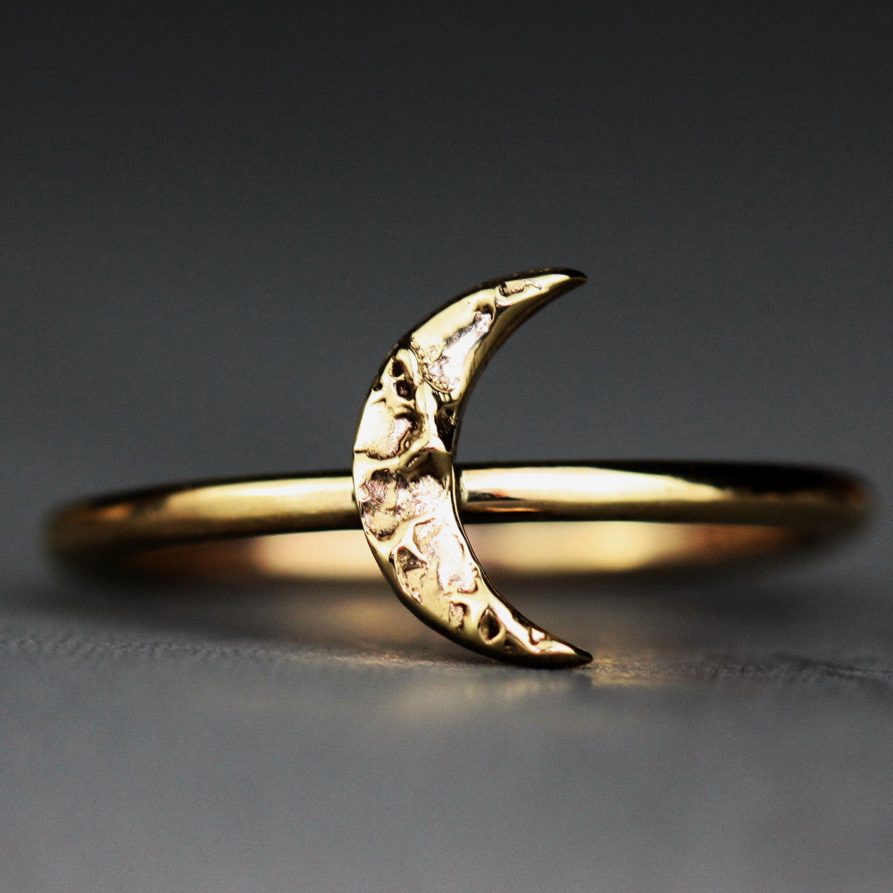 unusual 9ct gold textured designer moon ring
