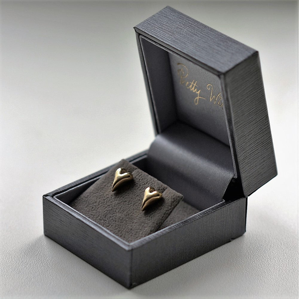 beautiful 9ct solid gold handmade heart stud earrings