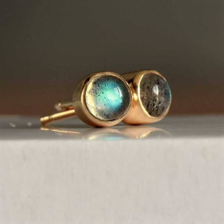 flashes of blue solid gold galaxy labradorite stud earrings