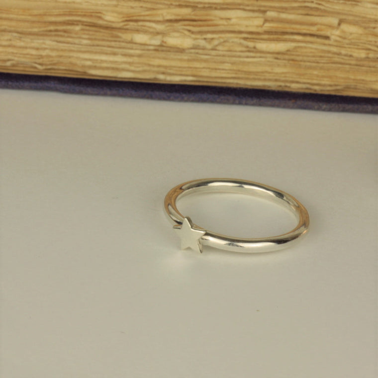 Silver star ring band