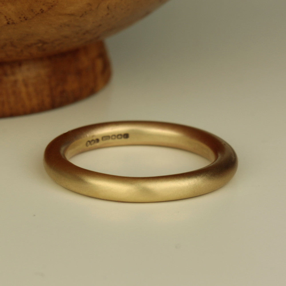 Thick & chunky solid gold halo 3 mm ring band