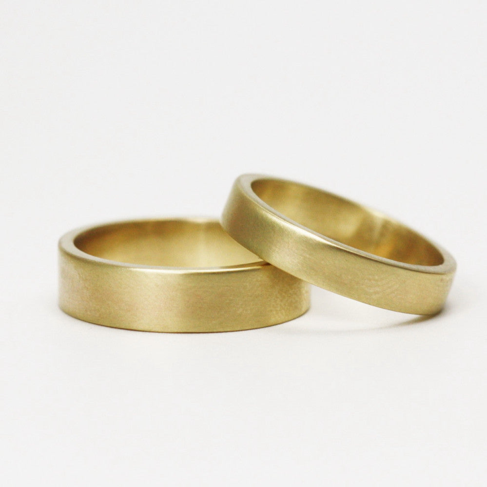 matching solid gold unisex wedding rings