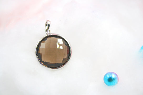 Eye Candy Color Stone Pendant