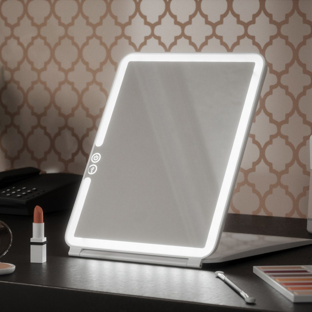 Compact Travel Mirror with Illuminated Light