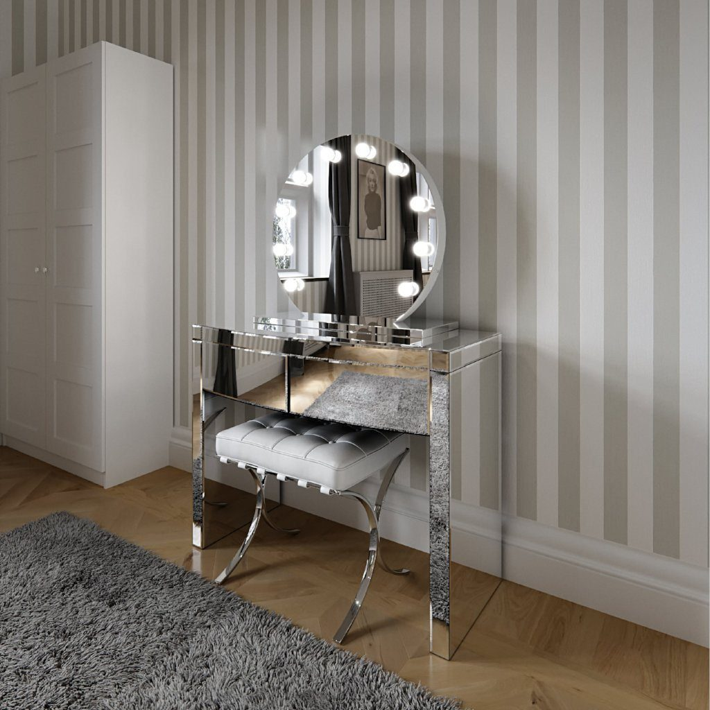 Round Freestanding Hollywood Mirror  : www.decorelo.co.uk