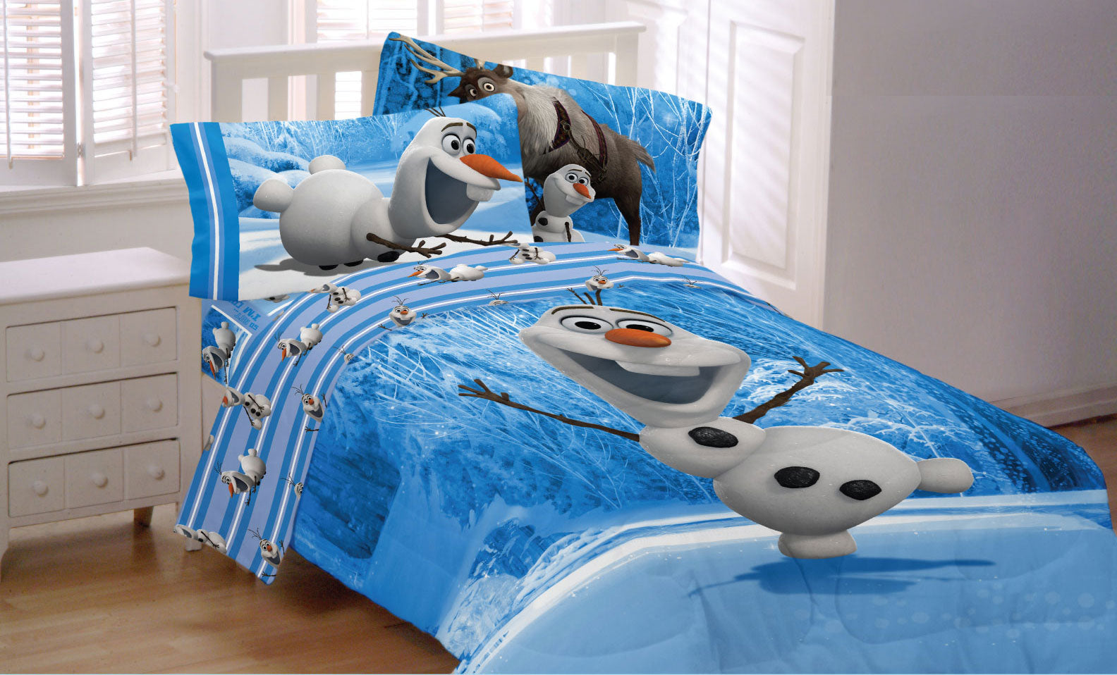 Frozen Made of Snow Bed Comforter - oBedding.com
