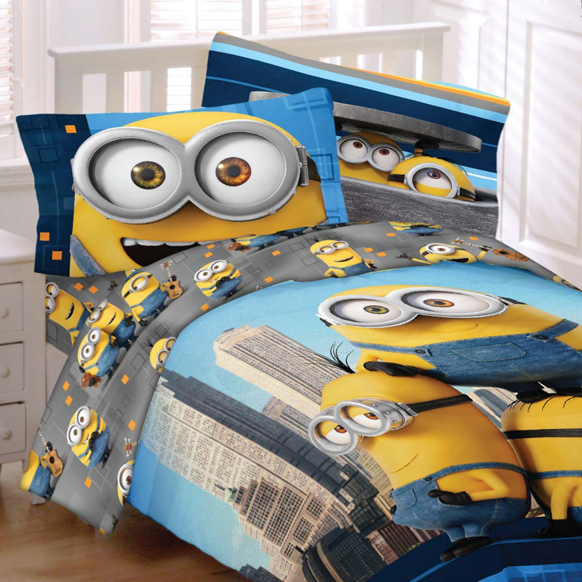 Minions Yellow And Cool Bedding Set