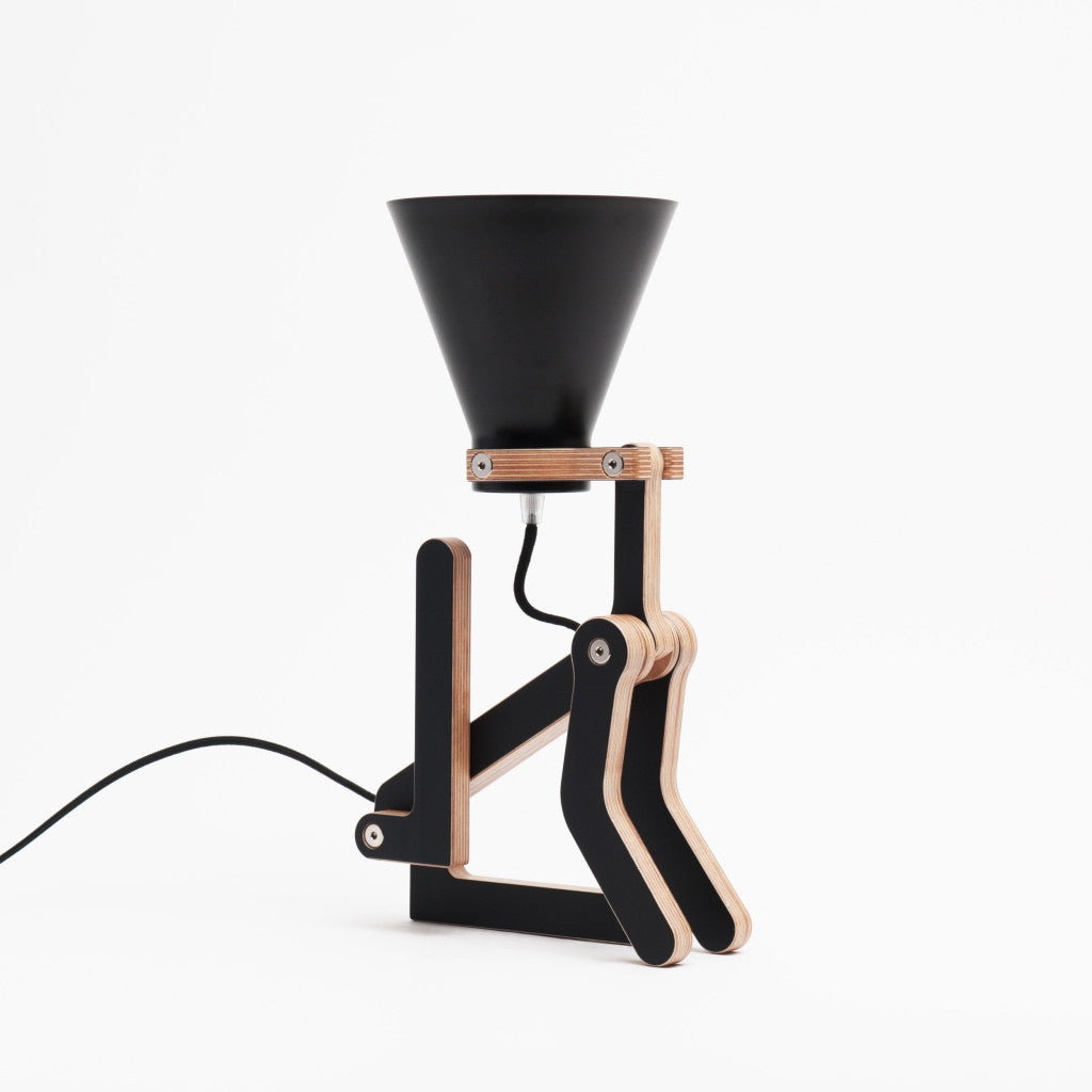 lampe poser chien waaf noir en bois par pierre stadelmann hariet rosie. Black Bedroom Furniture Sets. Home Design Ideas