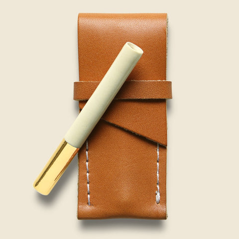 Klai One Hitter with Tan Leather Case