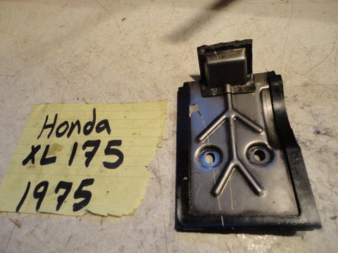 1975 Honda XL175 Engine crankcase oil plate baffle 11110-391-000 breather tin