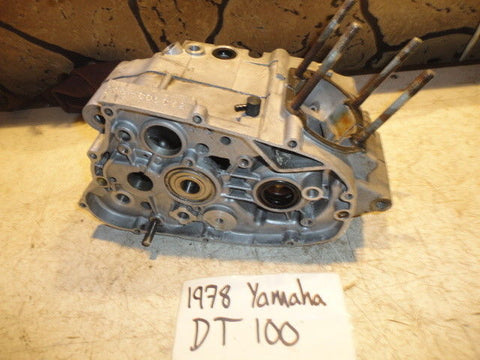 1978 Yamaha DT100 Engine Crankcase Crank Case Cases 1T9-15111-00-00 78 dt 100