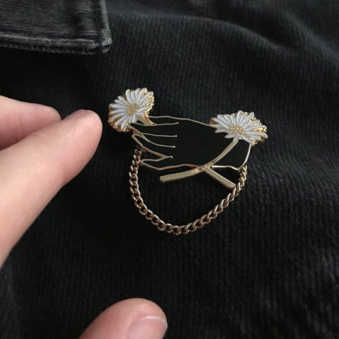 Daisy Chain Pin - Good Co.