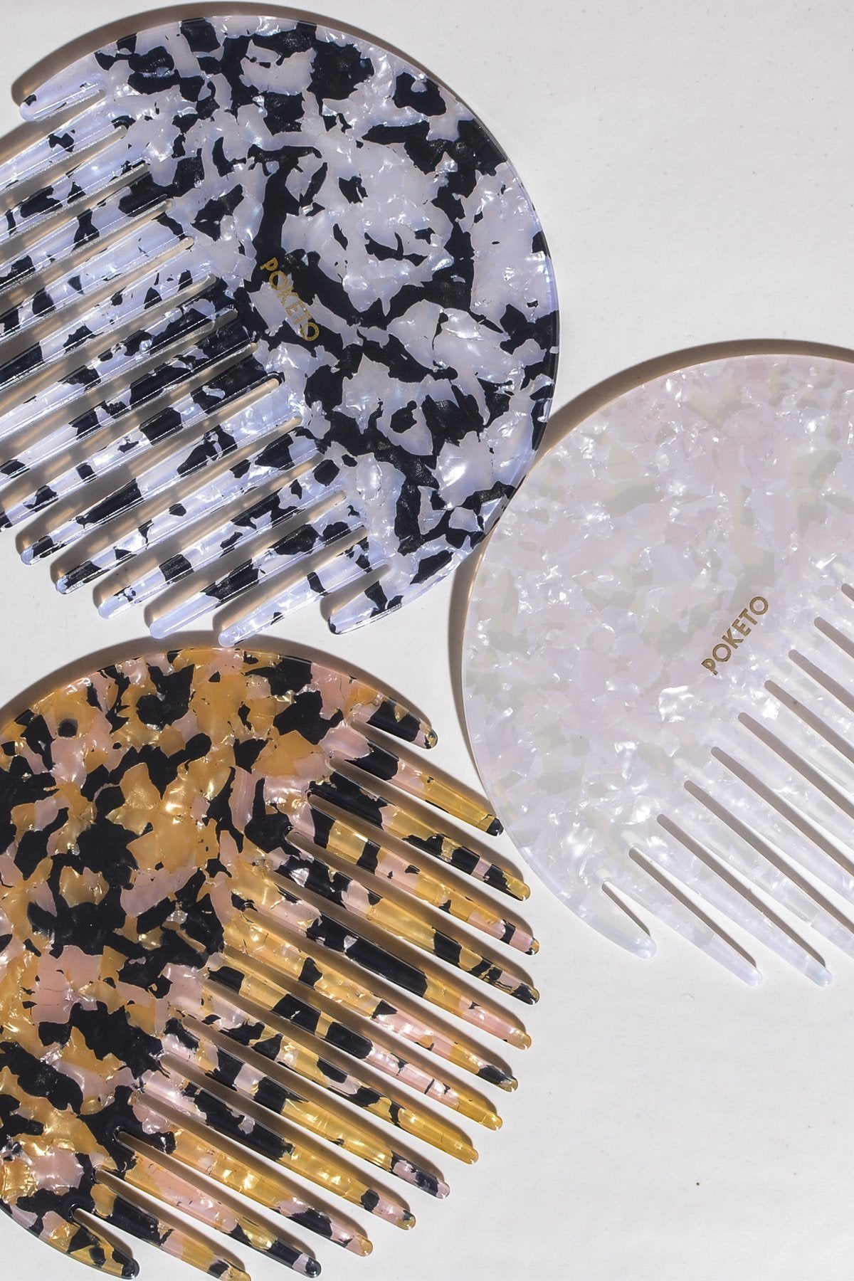 Casa Cuadra Objects Poketo Circle Comb - Pearlescent