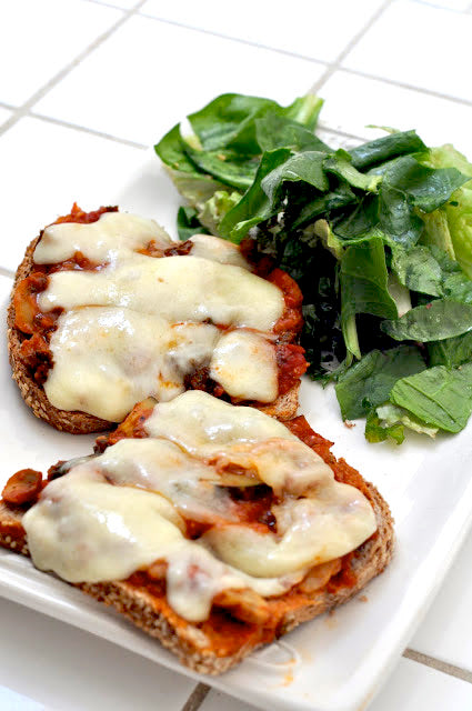 (sprouted veggie pizzas)