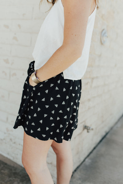 """Linnette"" Shorts, Black Print"