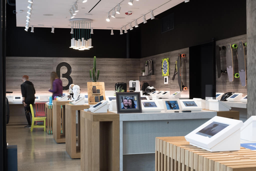 Image showing b8ta's store, which now sells Ekster's trackable wallets