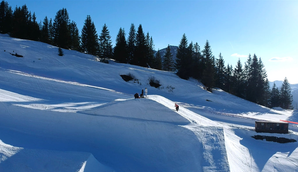 Image of slopes on which the skiers tested the Ekster travel wallet.