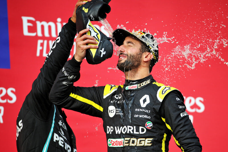 "Ricciardo entertains F1 fans with a podium ""shuey"""