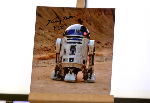 100137 - Kenny Baker as R2D2 in Star Wars Photo Personally Signed