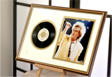 100195 - Rod Stewart Framed & Mounted Photo & Original Vinyl Single