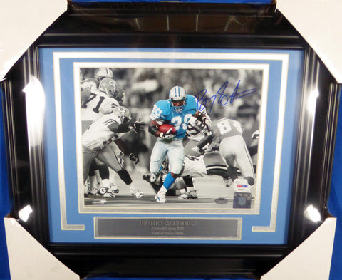 Lions- Barry Sanders Autographed Framed 8x10 Photo.