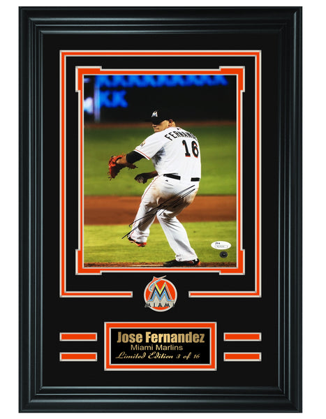 MLB Marlins-Jose Fernandez autographed 8x10 photo JSA Authenticated