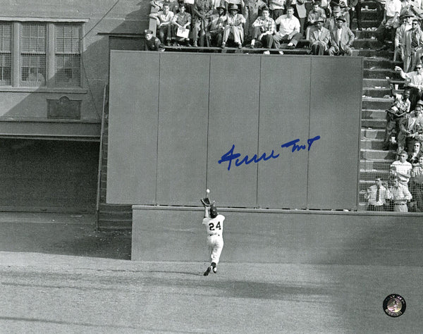San Francisco Giants-Willie Mays Autographed 8x10 Catch photo