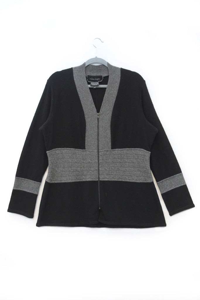 Julie Zip Black w/ Grey - XXL