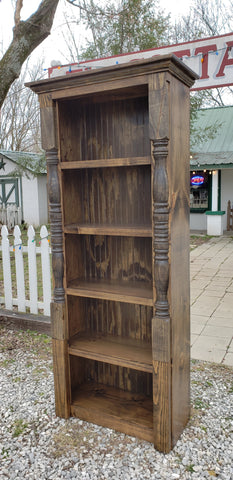 Bookcase (with turned sideposts)