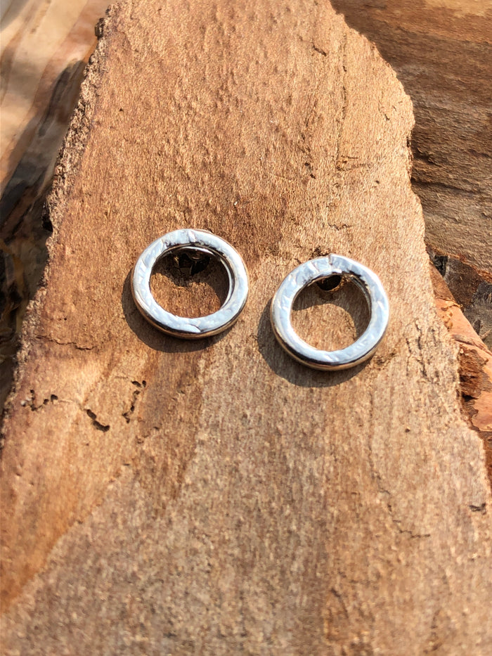 Halo Medium stud earrings