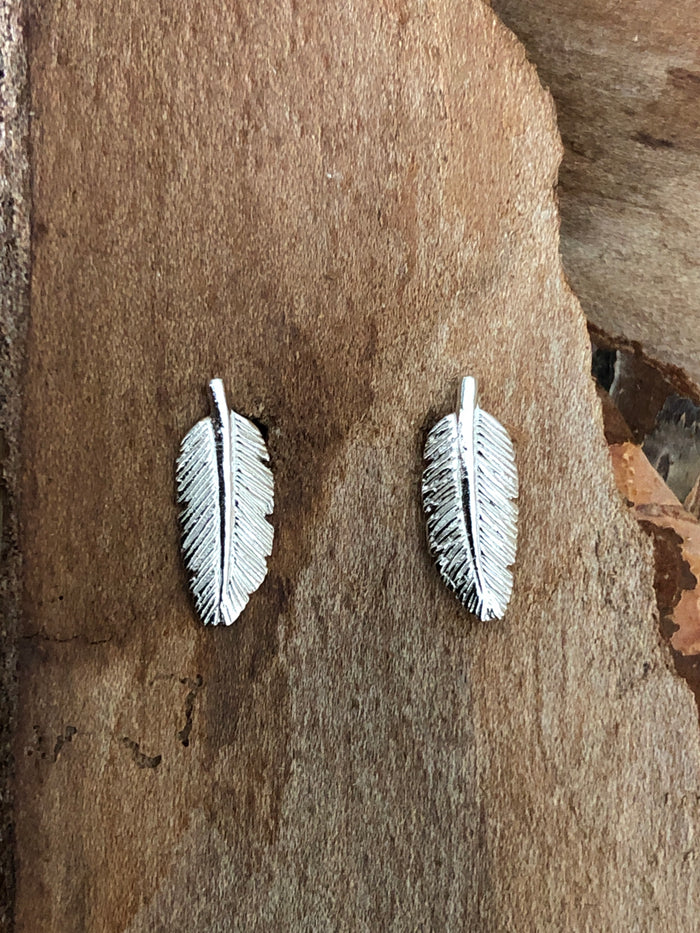 Contour feather Earrings