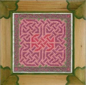 Lavender and Green Knotwork
