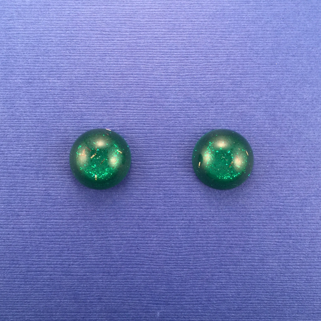 Confetti Lucite Small Round Sparklite™ Earrings in Shamrock