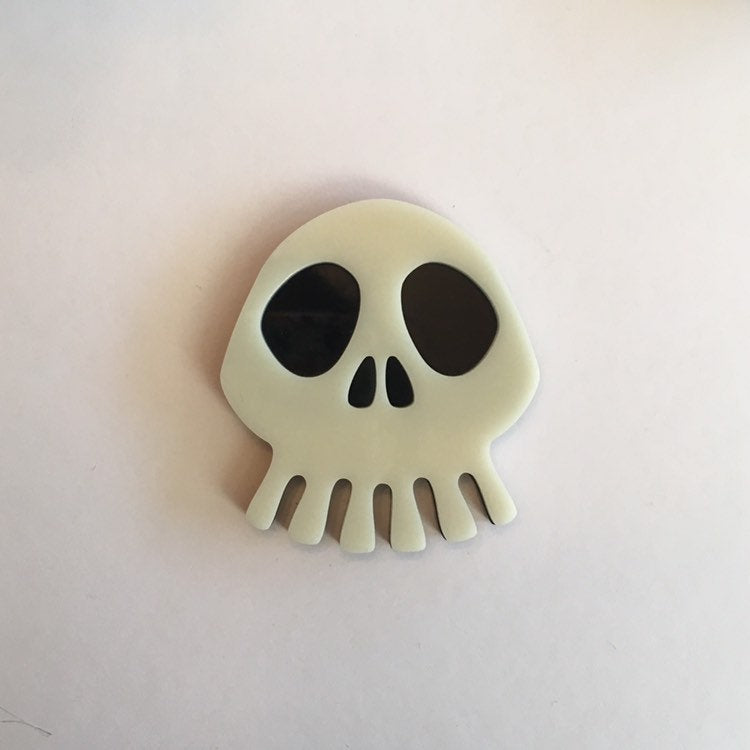 Flare Nightmare Skull Brooch