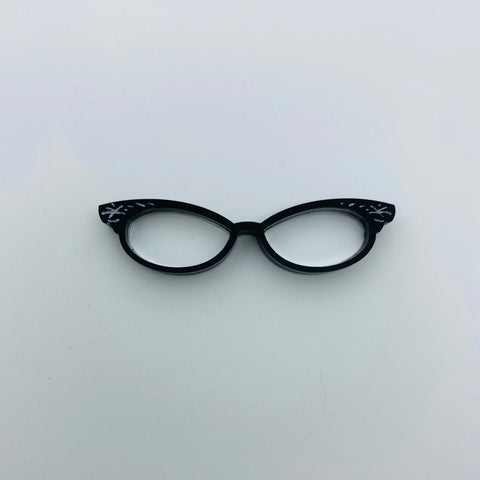 Flare Cat Eye Glasses Lapel Pin