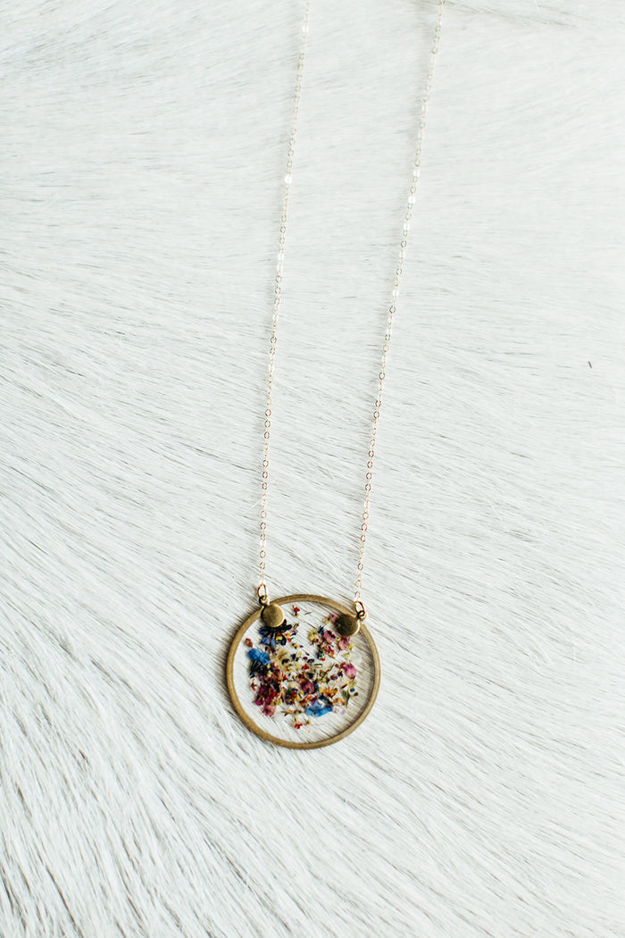 Gold Long Chain Round Confetti Flower Necklace
