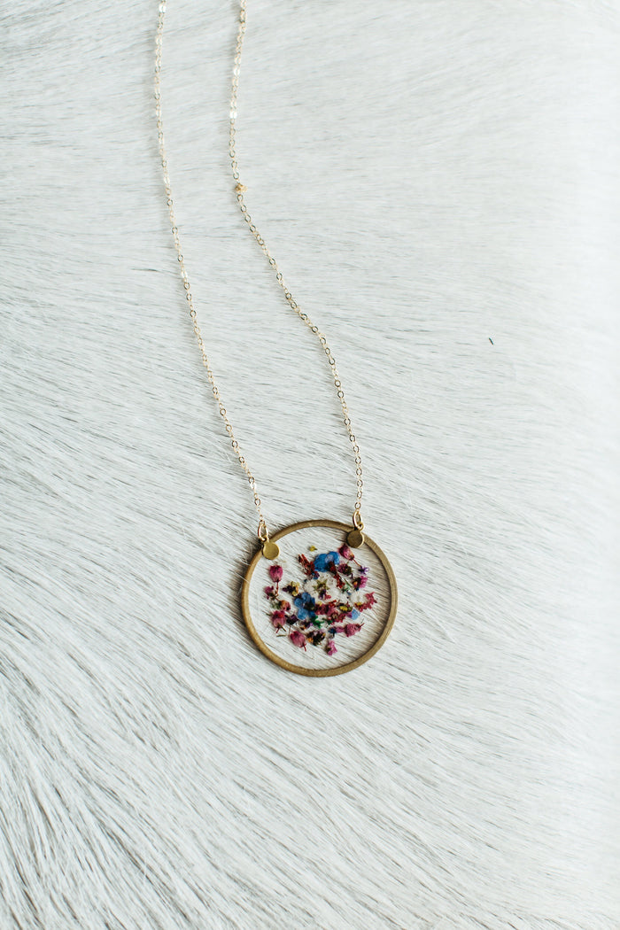 Gold Round Confetti Flower Necklace