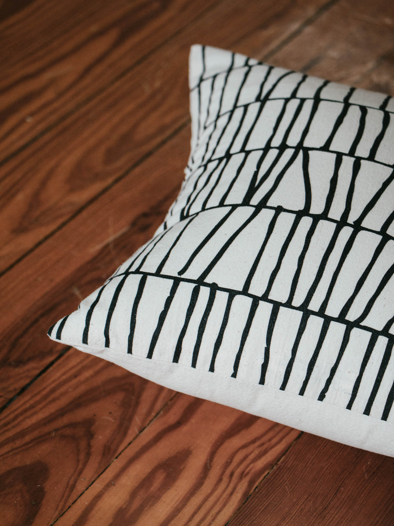 Thatch Print Organic Cotton Pillow (12in)