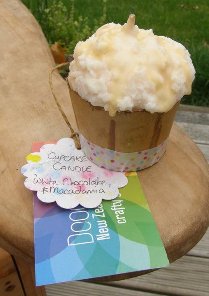 Soy Cupcake Candle: 'White Chocolate & Macadamia'