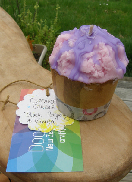 Soy Cupcake Candle: 'Black Raspberry & Vanilla'