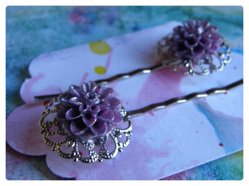 Elegant Hair Pin Pair -  Pastel Purple Crysanthemum